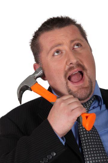 молоток в виде телефона